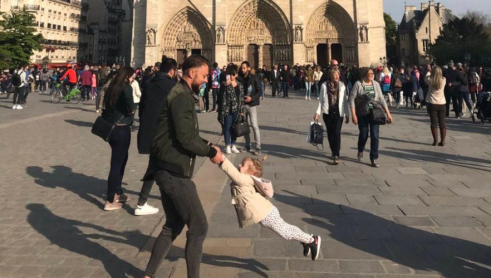 Buscan a un padre y una hija para regalarles esta fotografía