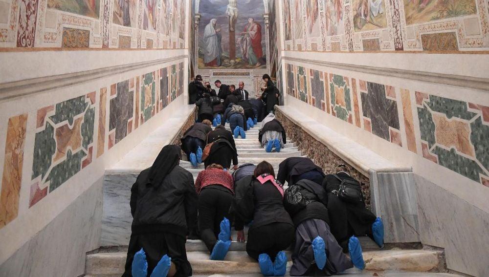 Imagen de la escalera Santa