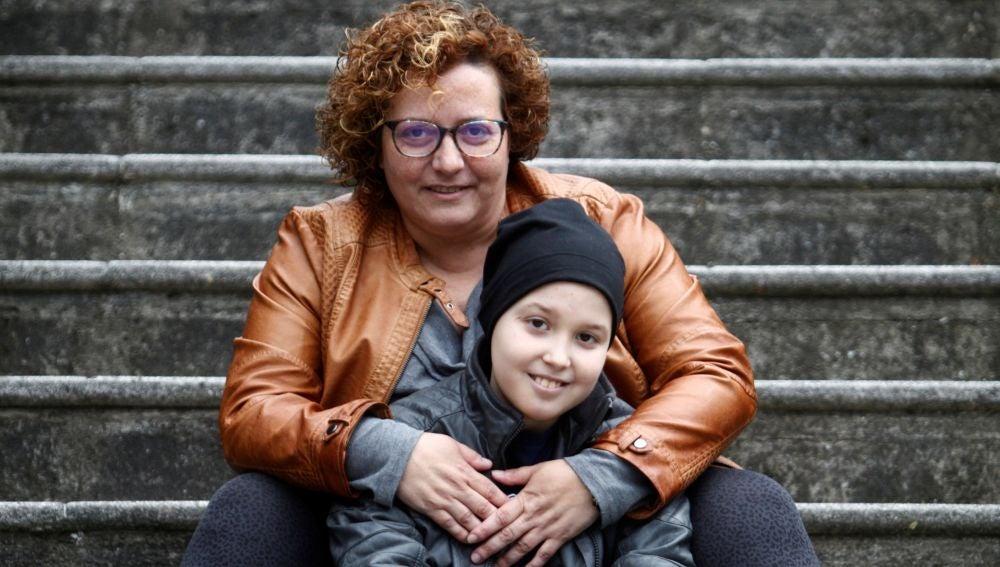 Noel junto a su madre Sonia