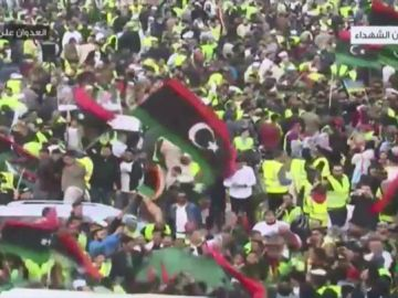 Multitudinaria protesta en Trípoli