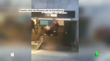 Las imágenes de una nueva pelea entre jóvenes y vigilantes del metro en Barcelona