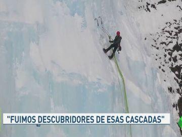 La increíble gesta de tres alpinistas españoles al escalar por primera vez las cascadas heladas del ártico ruso