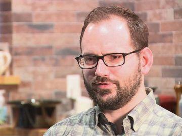 Josh Halder, el hombre que sufrió un derrame cerebral tras estirar el cuello