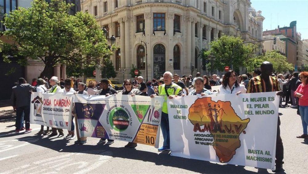 Valencia se suma al 'Abrazo de los pueblos' .