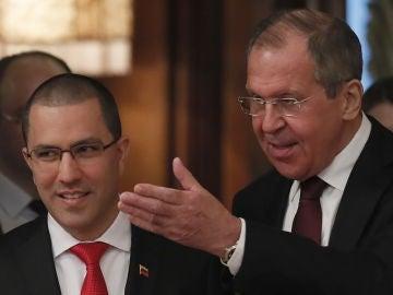 El ministro ruso de Asuntos Exteriores Serguéi Lavrov y su homólogo venezolano, Jorge Arreaza.