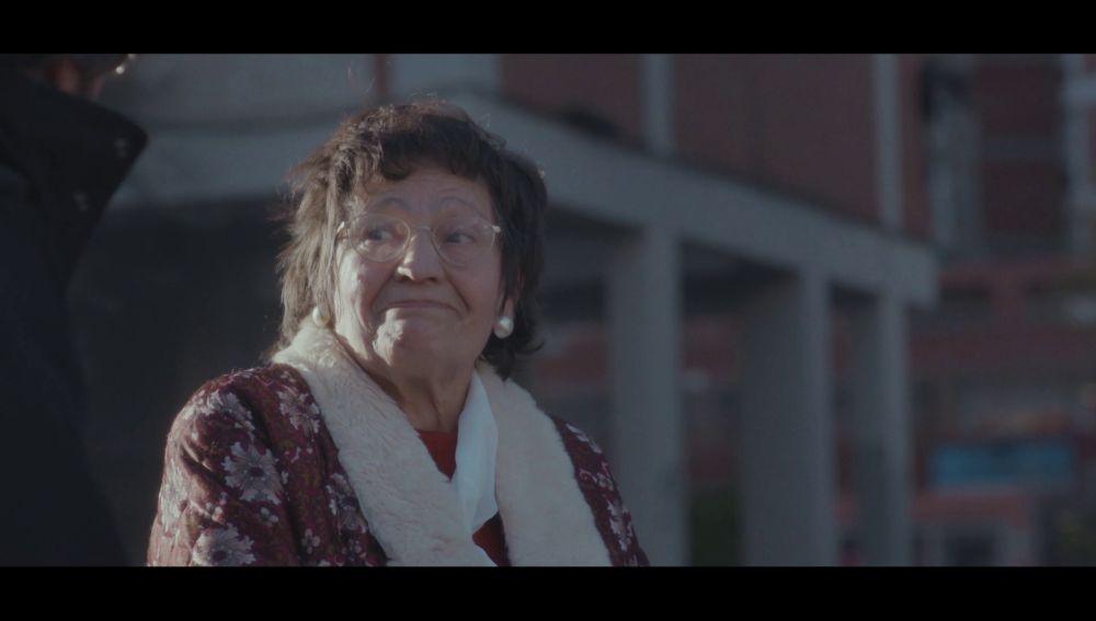 Una vecina de Cornellá hablan con Jordi Évole