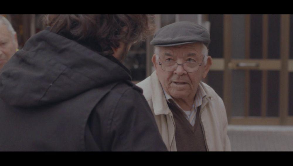 Un vecino de Cornellá habla con Jordi Évole