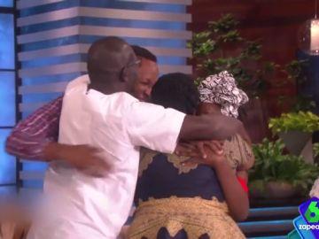 El emotivo momento en el que una migrante que sobrevive en EEUU con cinco trabajos se reúne con su familia de Kenia