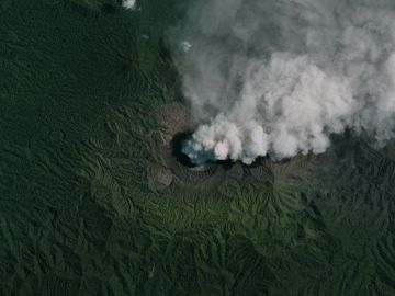 Volcán Dukono, Indonesia