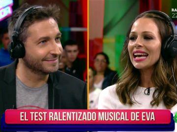 """Eva González y Frank Blanco se someten al 'idiotizador': """"Lo voy a hacer fatal, si yo normalmente ya estoy idiotizada"""""""