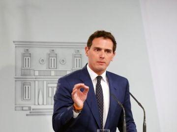 """Antena 3 Noticias 1 (07-05-19) Rivera ofrece a Sánchez """"los 57 escaños de Ciudadanos para aplicar el 155 en Cataluña"""""""