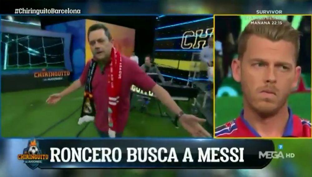 """Tomás Roncero entró en el plato de 'El Chiringuito' buscando a Messi: """"¿Le habéis visto...? ¡Leo! ¡Leo! ¡Chiquitito! ¿Dónde está Dios?"""""""