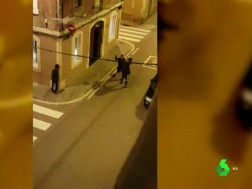 Los vecinos de Barcelona graban numerosas peleas callejeras para denunciar la falta de seguridad