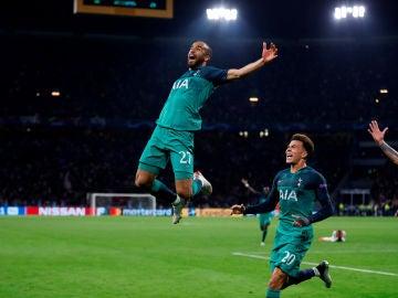 Lucas Moura celebra su histórico gol contra el Ajax