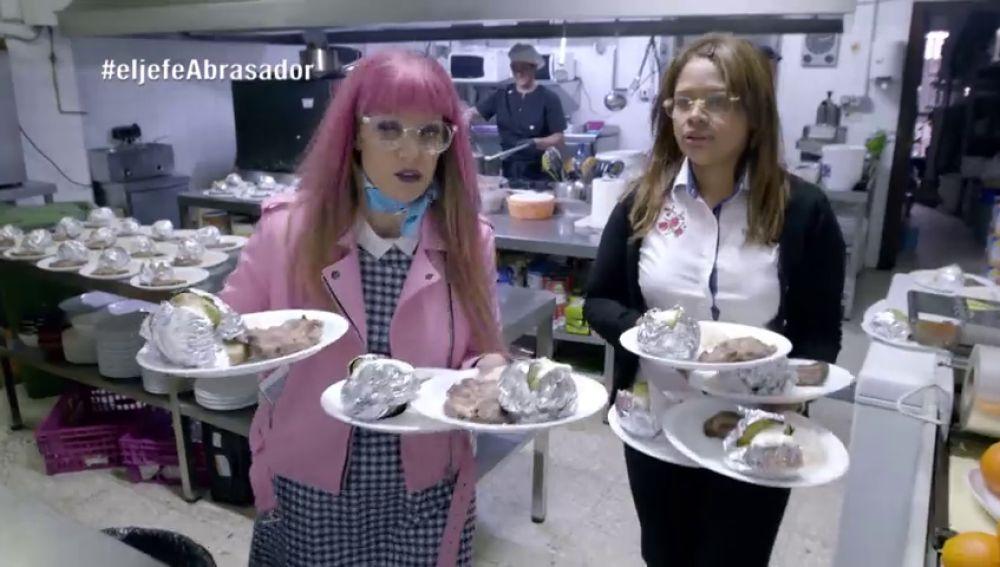 Ilda miente en la cara a 'La Jefa infiltrada': así vende en el menú chuletas de marca blanca como si fueran carne 'Abrasador'