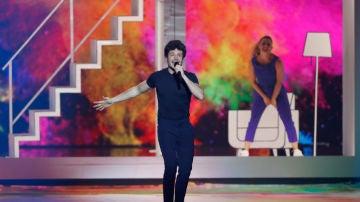 Miki cantando 'La Venda' en Eurovisión 2019