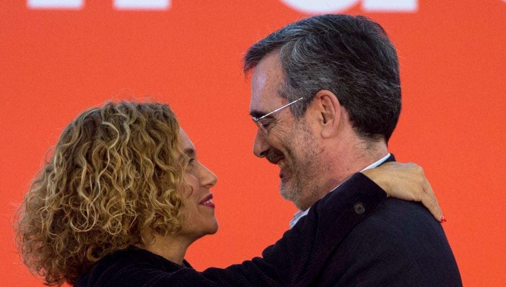 La ministra Meritxell Batet  y el senador electo Manuel Cruz