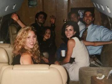 Courteney Cox, Mónica Geller de 'Friends' comparte una foto de los protagonistas de la serie antes de que se empezase a grabar.