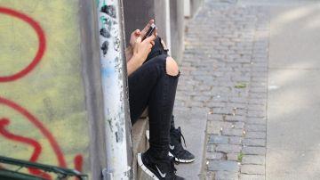 Sufrió ciberbullyng de joven y ahora no puede soportar el móvil