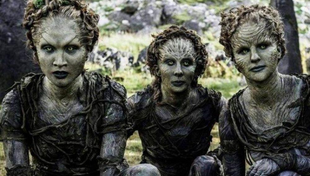 Fotograma de 'Juego de Tronos' en el que aparecen los hijos del bosque.
