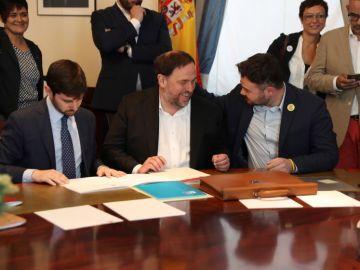 Oriol Junqueras, de ERC, conversa con Gabriel Rufián