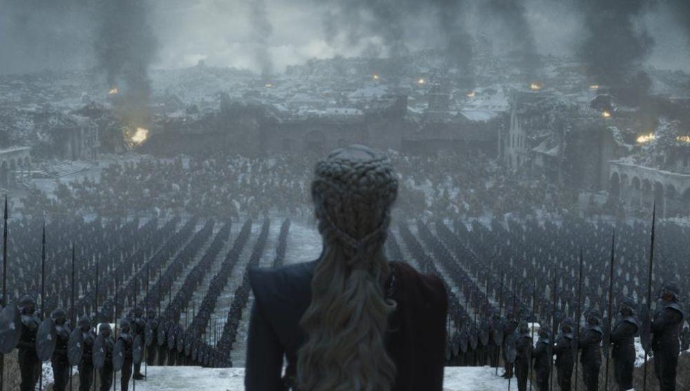 Daenerys, frente a su ejército