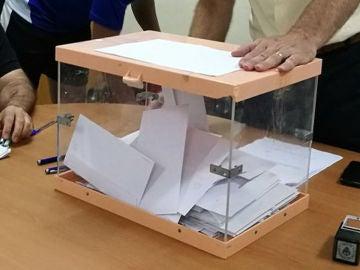Urna con votos