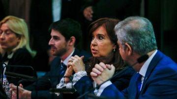 Juicio por supuesta corrupción contra la expresidenta de Argentina Cristina Fernández