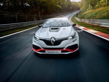 El Renault R.S. Trophy-R llega batiendo el récord