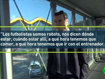 """Bale: """"Somos como robots"""""""