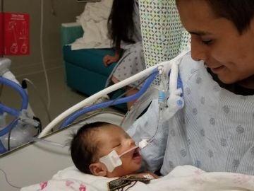 """Yovani junto a su hijo, en """"muerte cerebral"""""""