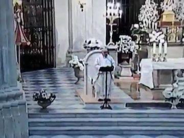 """Un párroco de Murcia pide en plena misa el voto para el partido que """"defienda mejor los derechos de dios"""""""