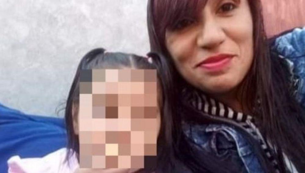 Un hombre asesina a su expareja y a su hija