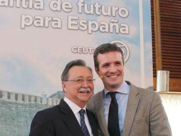 Juan Jesús Vivas junto a Pablo Casado