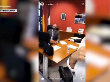 """La polémica visita de la pareja de un político andaluz a su despacho oficial: """"Esto hay que remodelarlo"""""""