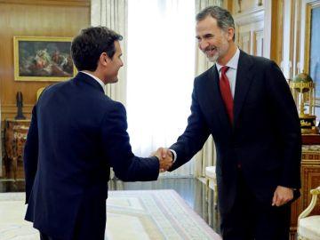 El rey se reúne con Albert Rivera en Zarzuela