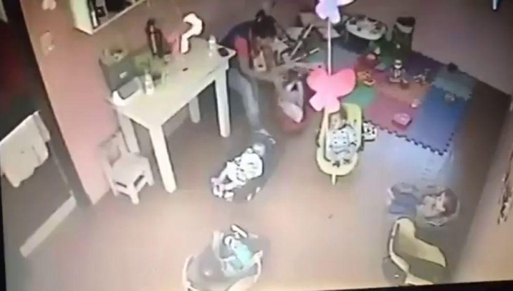 Indigación en Argentina tras un supuesto caso de maltrato a un bebé en una guardería