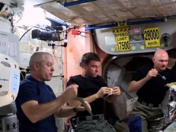 Imagen de archivo de astronautas en la Estación Espacial Internacional