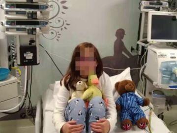 Imagen de Paloma, la niña con un tumor cerebral que movilizó a la sociedad para recaudar fondos y que pudiera recibir tratamiento