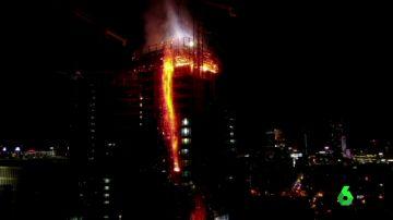 Incendio en un rascacielos de Varsovia
