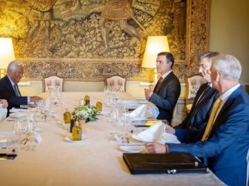 Imagen de la reunión informal que mantuvo Sánchez Sánchez en Bruselas para avanzar en el reparto de cargos de la UE