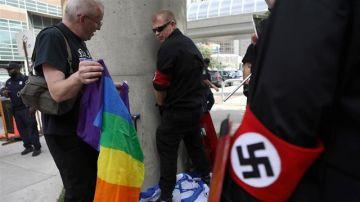 Un grupo de neonazis en el Orgullo de Detroit