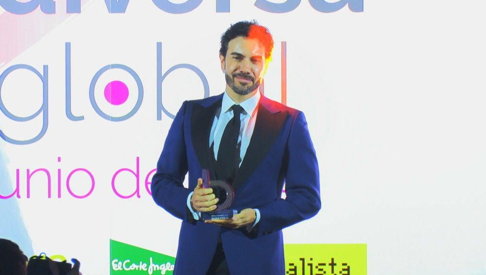 Alberto Herrera recoge el premio 'Diversia de Comunicación 2019'