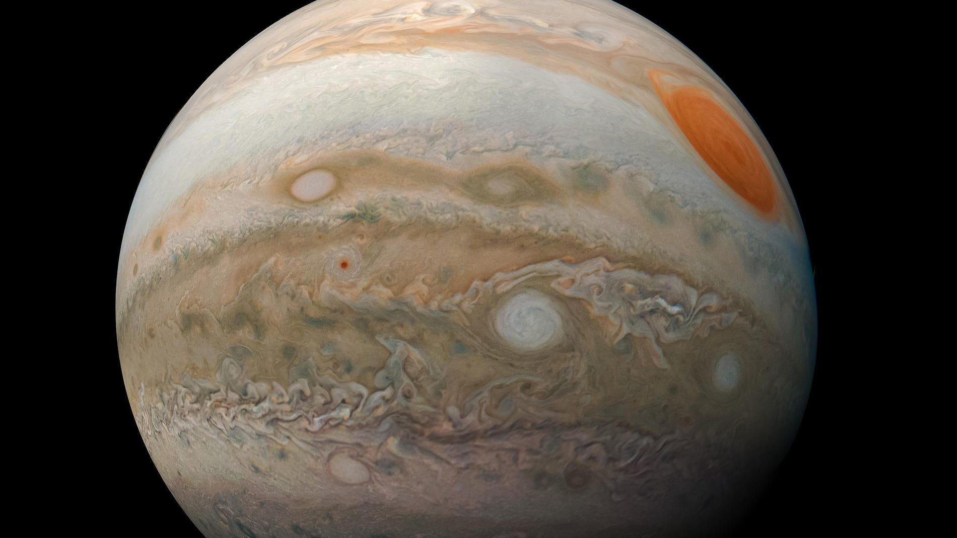 Júpiter captado por la sonda espacial Juno