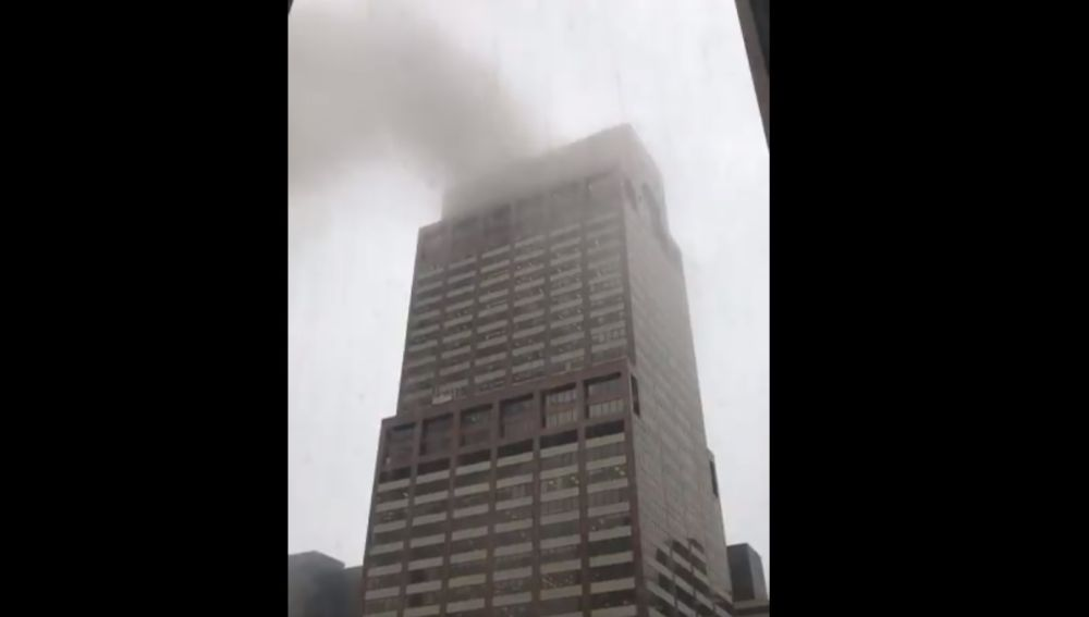 Un helicóptero se estrella en Manhattan