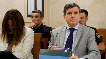 El expresidente del Govern balear Jaume Matas (d) en el juicio de Son Espases