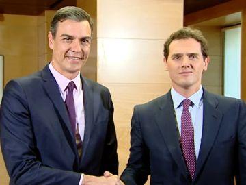 Pedro Sánchez y Albert Rivera debaten sus posturas sobre la formación del nuevo Gobierno