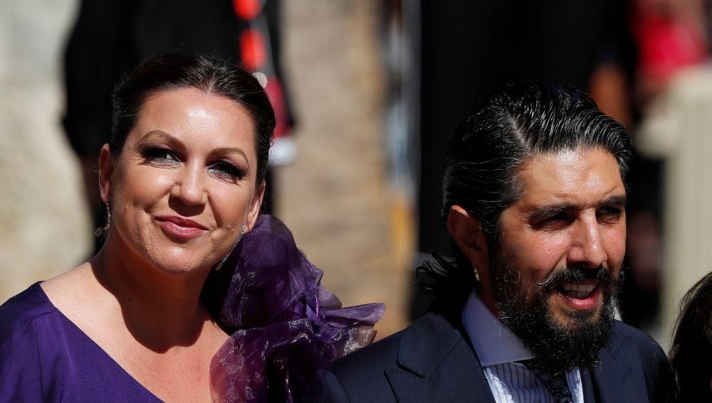 Niña Pastori y su marido Chaboli en la boda de Pilar Rubio y Sergio Ramos