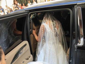 Pilar Rubio, subiendo al coche antes de su boda