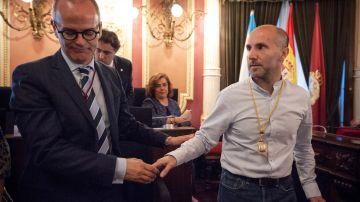 El independiente Jácome consigue con el apoyo del PP la alcaldía de Ourense